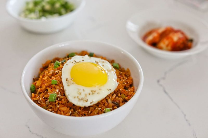 Kimchi Fried Rice Recipe (김치 볶음밥 레시피)